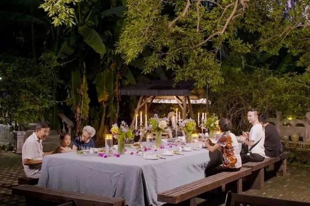 Bỏ phố về quê, 7 cặp vợ chồng già thuê biệt thự sống cùng nhau đến cuối đời - 8