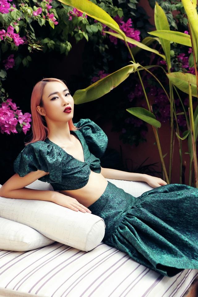 Top 5 Hoa hậu Việt Nam giỏi 2 ngoại ngữ từng được gặp cựu Tổng thống Obama - 16