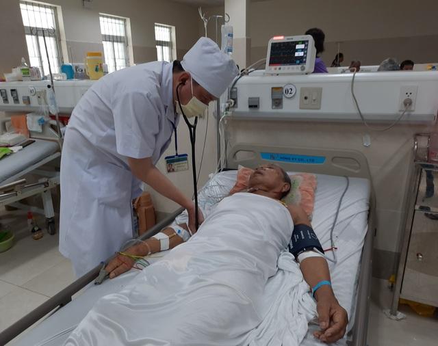 Cà Mau: Cứu thành công cụ ông 87 tuổi bị ngưng tim