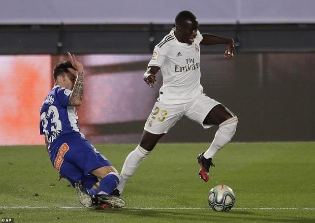 Đánh bại Alaves, Real Madrid tiến gần đến chức vô địch La Liga - 6