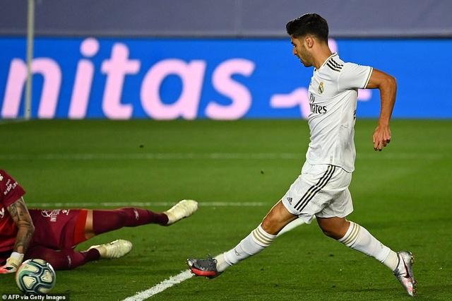 Đánh bại Alaves, Real Madrid tiến gần đến chức vô địch La Liga - 7