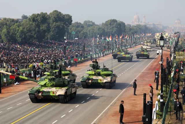 Nga, Mỹ chạy đua bán vũ khí cho Ấn Độ giữa căng thẳng với Trung Quốc - 1
