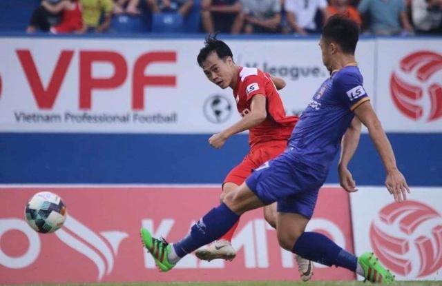 Các tuyển thủ Việt Nam đồng loạt tỏa sáng ở vòng 9 V-League - 2