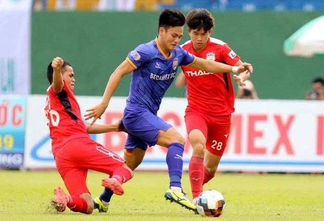 Các tuyển thủ Việt Nam đồng loạt tỏa sáng ở vòng 9 V-League - 3