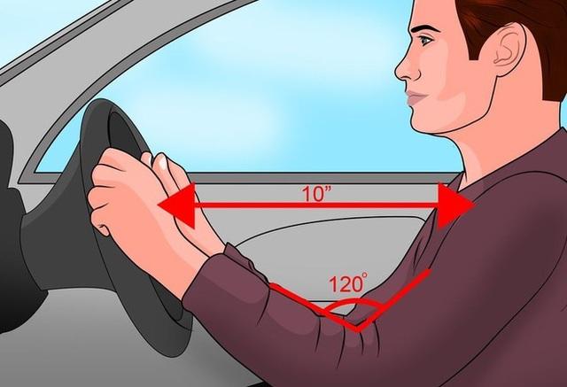 Hướng dẫn cách ngồi đúng tư thế khi lái xe ô tô - 3