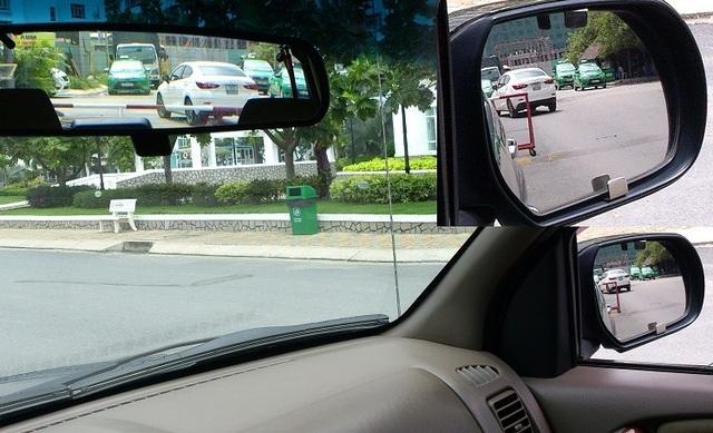 Hướng dẫn cách ngồi đúng tư thế khi lái xe ô tô - 4