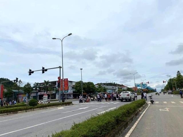 Thói quen xấu của nhiều tài xế Việt khi lái xe - 4