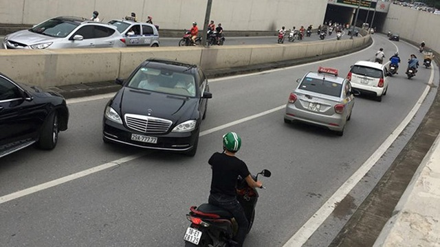 Thói quen xấu của nhiều tài xế Việt khi lái xe - 5