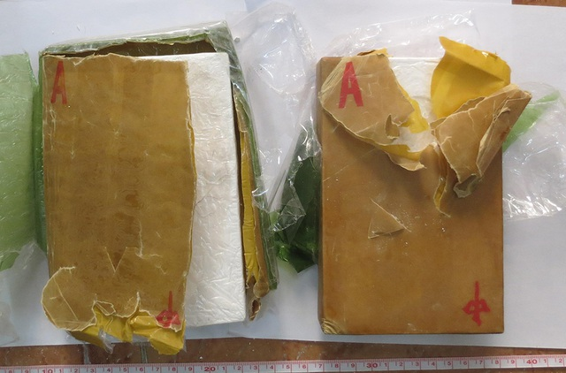 Qua Campuchia vận chuyển 3kg ma túy về Việt Nam, 2 đối tượng bị bắt - 3