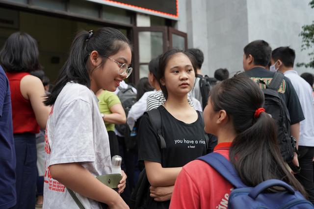 2.525 thí sinh bước vào cuộc đua giành 540 vé lớp 10 THPT Chuyên Tự nhiên - 5