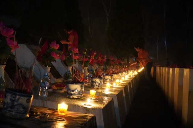 Nghĩa trang Liệt sĩ quốc gia Vị Xuyên rực sáng trong đêm thiêng liêng - 4