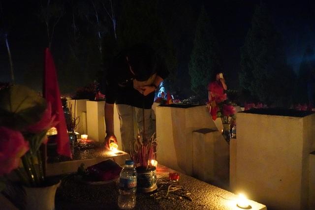 Nghĩa trang Liệt sĩ quốc gia Vị Xuyên rực sáng trong đêm thiêng liêng - 9