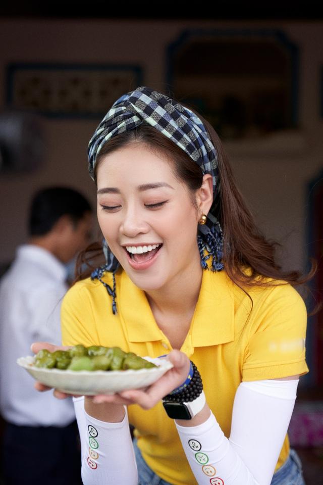 Hoa hậu Khánh Vân khoe mặt mộc xinh đẹp trải nghiệm cuộc sống miền Tây - 10
