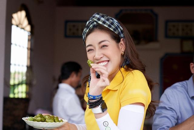 Hoa hậu Khánh Vân khoe mặt mộc xinh đẹp trải nghiệm cuộc sống miền Tây - 11