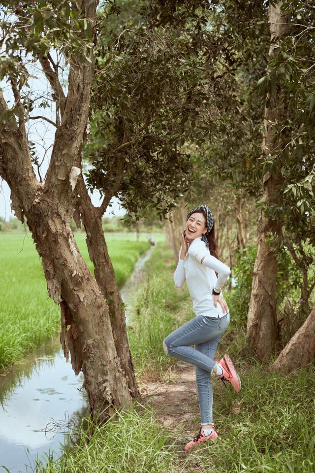 Hoa hậu Khánh Vân khoe mặt mộc xinh đẹp trải nghiệm cuộc sống miền Tây - 6