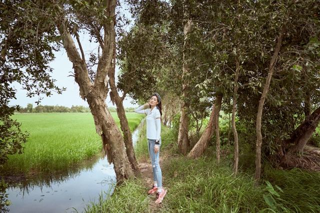Hoa hậu Khánh Vân khoe mặt mộc xinh đẹp trải nghiệm cuộc sống miền Tây - 7
