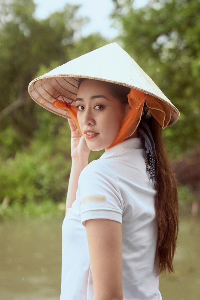 Hoa hậu Khánh Vân khoe mặt mộc xinh đẹp trải nghiệm cuộc sống miền Tây - 4