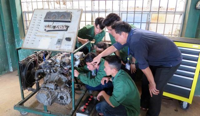Kiếm việc không khó nếu có tay nghề về hàn, máy lạnh hoặc điện công nghiệp - 3