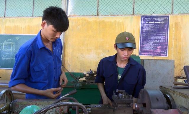 Kiếm việc không khó nếu có tay nghề về hàn, máy lạnh hoặc điện công nghiệp - 4