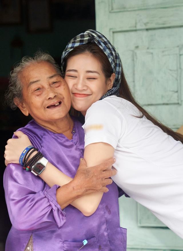 Hoa hậu Khánh Vân khoe mặt mộc xinh đẹp trải nghiệm cuộc sống miền Tây - 5