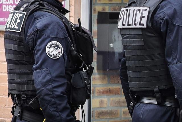 Pháp phạt tù 2 cựu điệp viên vì thông đồng với Trung Quốc - 1