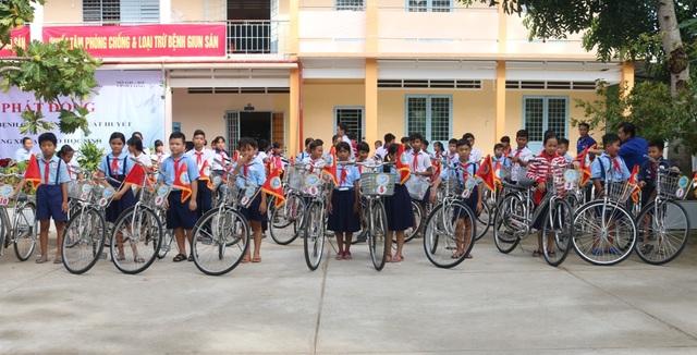 Khánh Hòa hơn 2.300 ca sốt xuất huyết, chỉ đạo quyết liệt diệt bọ gậy - 1
