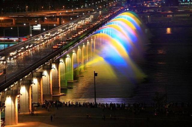 """Cầu Tứ Liên sẽ là biểu tượng mới của """"Thành phố vì hòa bình"""" - 1"""