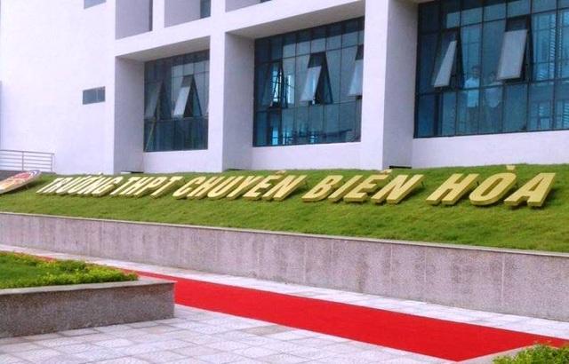 """Hà Nam: Gần 800 thí sinh """"chạy đua"""" vào lớp 10 Trường THPT chuyên Biên Hòa - 1"""
