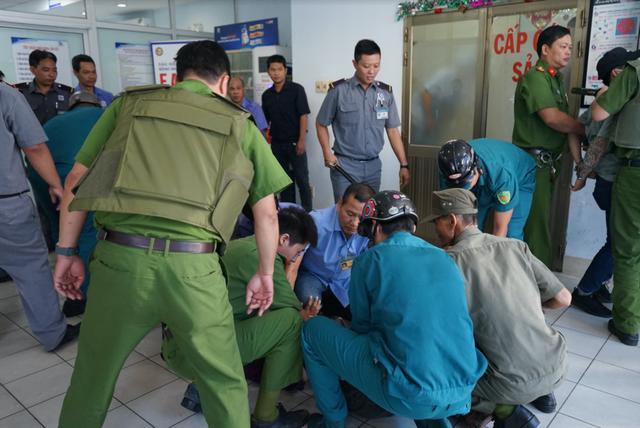 Vô hiệu hóa nhóm 20 côn đồ truy sát nhau trong bệnh viện - 3