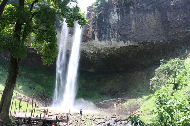 Cảnh nhếch nhác, hoang tàn tại thác nước nổi tiếng Đắk Nông - 4