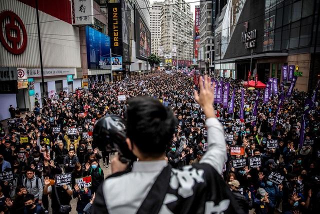 Hàng loạt công ty Mỹ tính rút khỏi Hong Kong do luật an ninh mới - 1