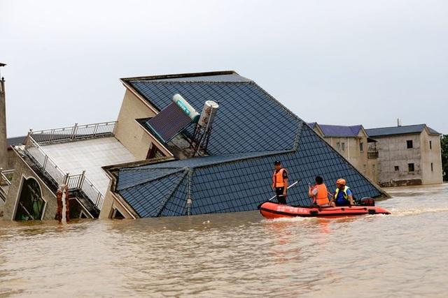 Nước 200 sông Trung Quốc vượt báo động, ông Tập lệnh dồn lực đối phó lũ - 2