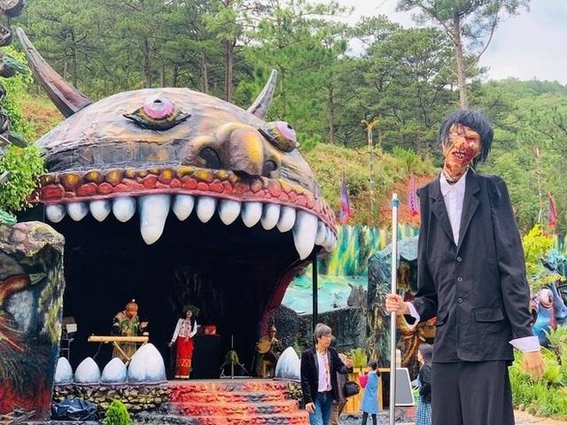 Khu du lịch ma quỷ gần Đà Lạt bị ném đá, Lan Phương bày tỏ cần dán mác 18+ - 2