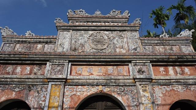 Cận cảnh vương phủ rộng 2000m2, chứa nhiều đồ cổ độc đáo ở Huế - 2