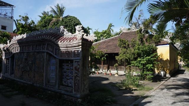 Cận cảnh vương phủ rộng 2000m2, chứa nhiều đồ cổ độc đáo ở Huế - 4