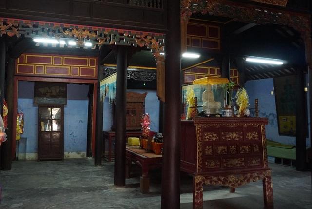 Cận cảnh vương phủ rộng 2000m2, chứa nhiều đồ cổ độc đáo ở Huế - 6