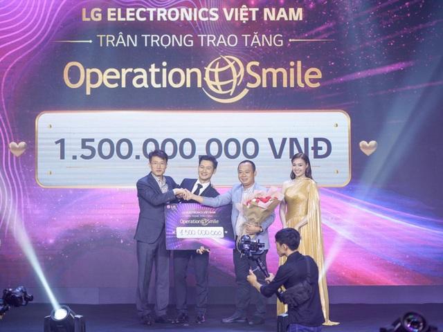 Danh tính người đấu giá thành công TV OLED 8K, cùng LG ủng hộ Operation Smile - 2