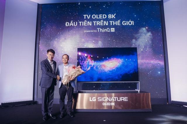 Danh tính người đấu giá thành công TV OLED 8K, cùng LG ủng hộ Operation Smile - 3