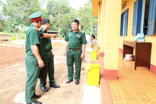 Kiểm tra 2 khu cách ly của quân đội, sẵn sàng đón công dân về nước - 2