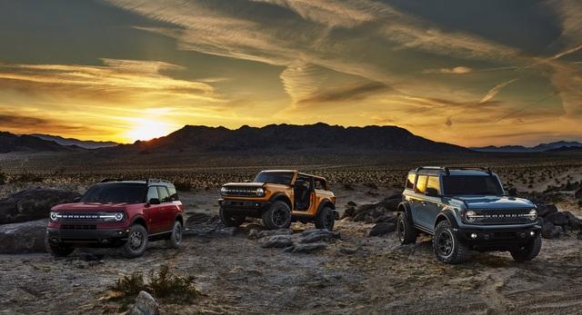 Ford Bronco ra mắt, cạnh tranh sát ván Jeep Wrangler - 34