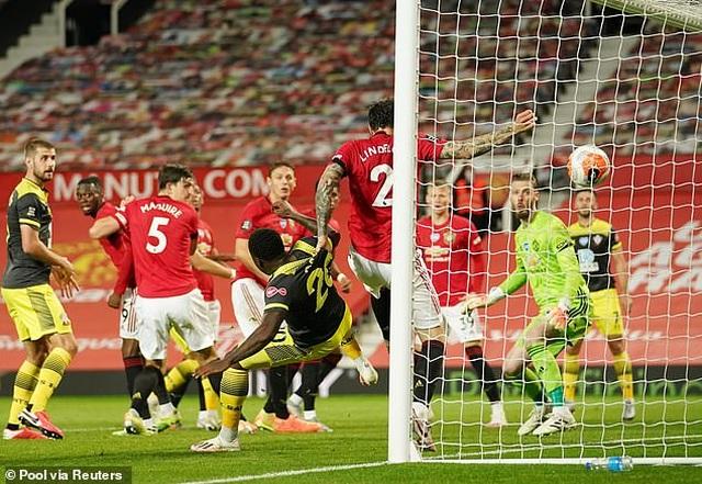 HLV Solskjaer nói gì khi Man Utd rơi điểm đau đớn? - 1