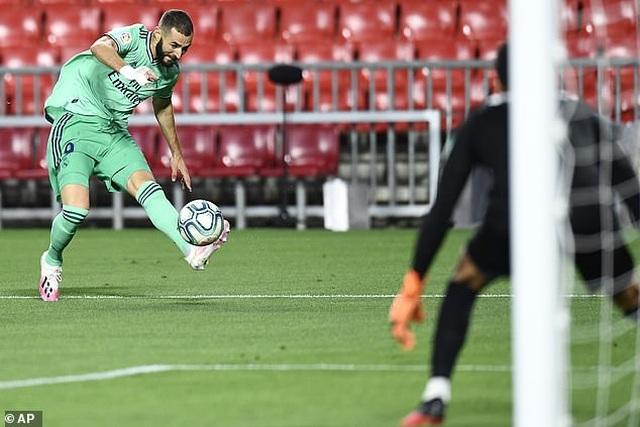 Benzema lập công, Real Madrid tiến gần đến chức vô địch La Liga - Ảnh minh hoạ 3