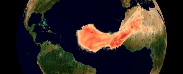 Đám mây bụi Sahara quét qua Đại Tây Dương lớn nhất từ trước đến nay - 1