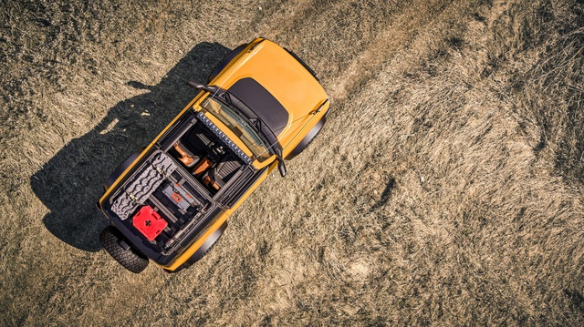 Ford Bronco ra mắt, cạnh tranh sát ván Jeep Wrangler - 25