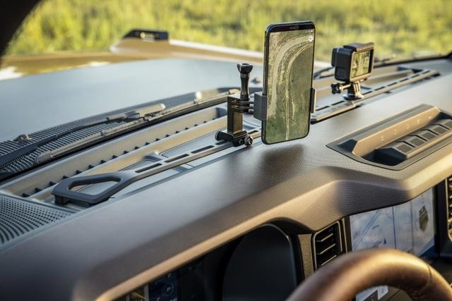 Ford Bronco ra mắt, cạnh tranh sát ván Jeep Wrangler - 4