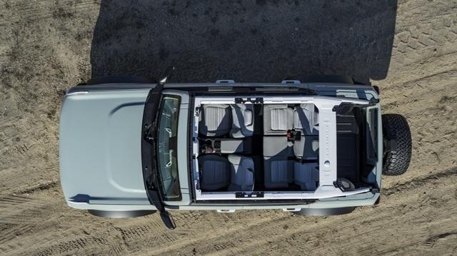 Ford Bronco ra mắt, cạnh tranh sát ván Jeep Wrangler - 12