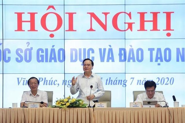 """Bộ trưởng Phùng Xuân Nhạ: Tránhlạm dụng giấy khen dẫn đến """"tác dụng ngược"""" - 1"""