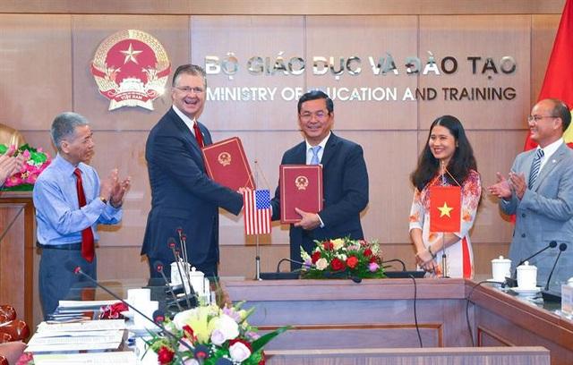 Mỹ sẽ cử tình nguyện viên dạy tiếng Anh cho các trường trung học Việt Nam - 1