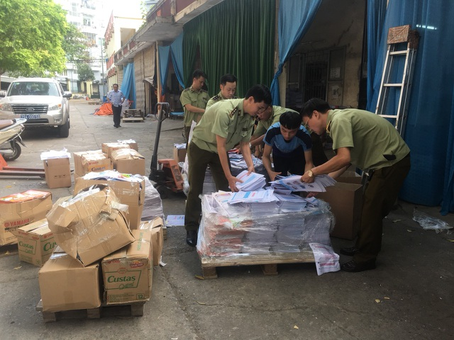Hà Nội: Cận cảnh xưởng in sách có dấu hiệu in lậu vừa bị phát giác - 3