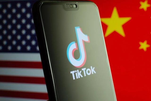 """TikTok đang trở thành """"ứng dụng đáng sợ nhất thế giới"""" - 2"""